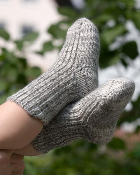 Baby Socken, Hirsch Natur, 100% Wolle (kbT), 3 Farben