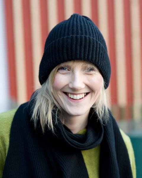 Damen Mütze gerippt, 100% Wolle, Ganterie, 5 Farben