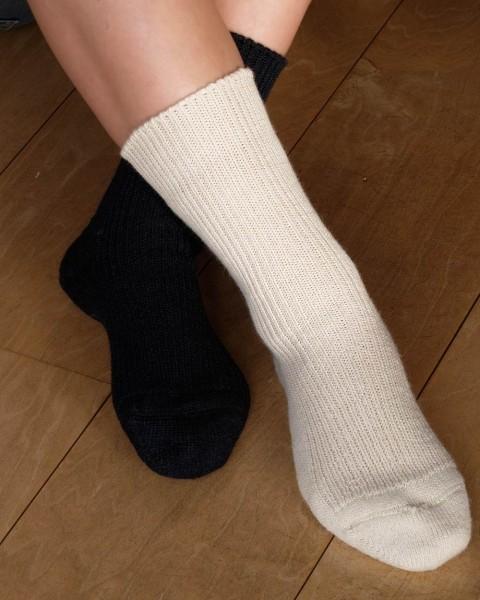Socken mittelschwer, Hirsch Natur, Wolle & Seide, 2 Farben